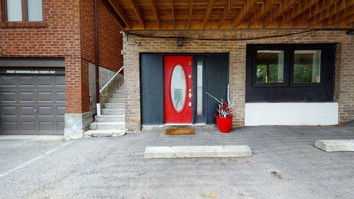 2 Bed, 1 Bath Apartment-Davisville Village