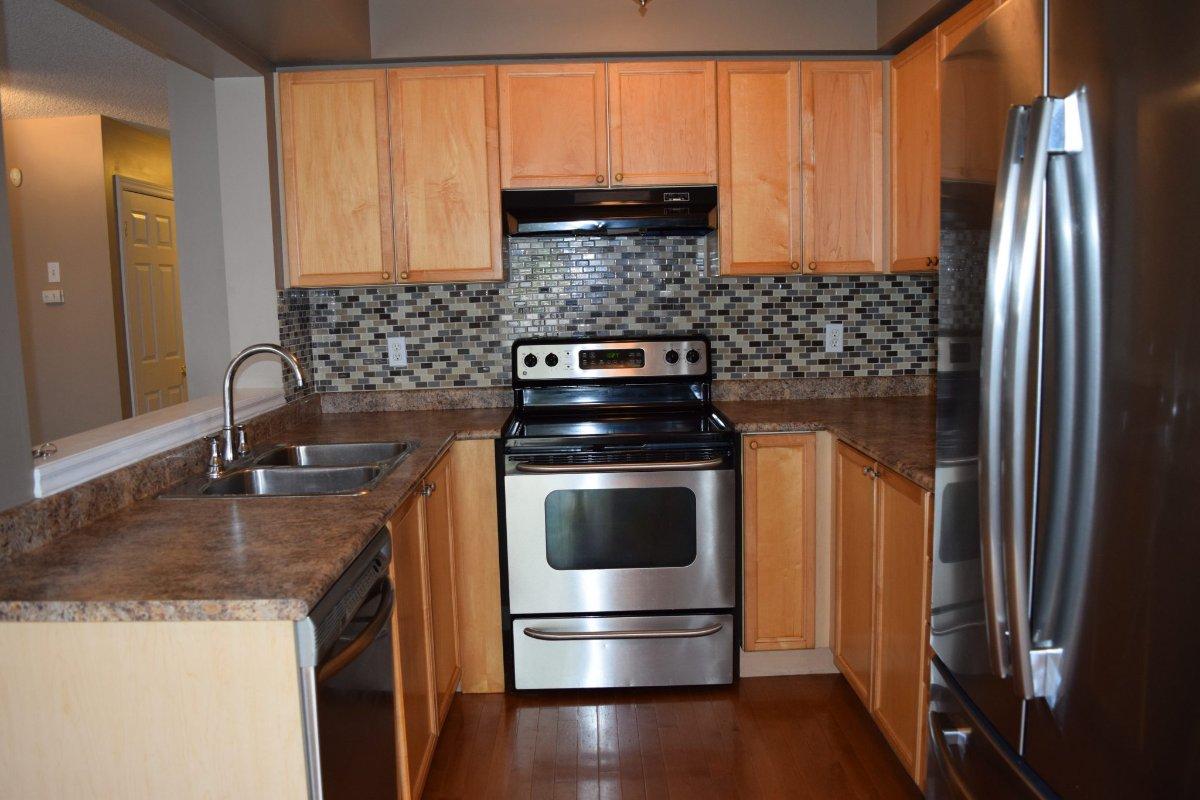 3+1 Bedroom 3.5 Bathroom - Burlington