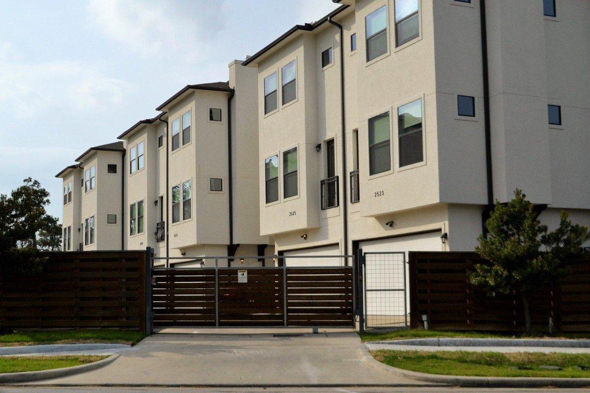 investing in rental property in toronto