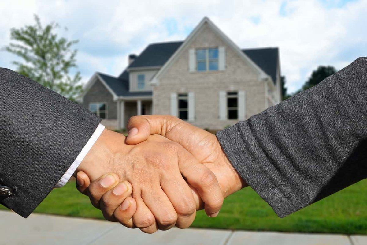 benefits of leverage in real estate