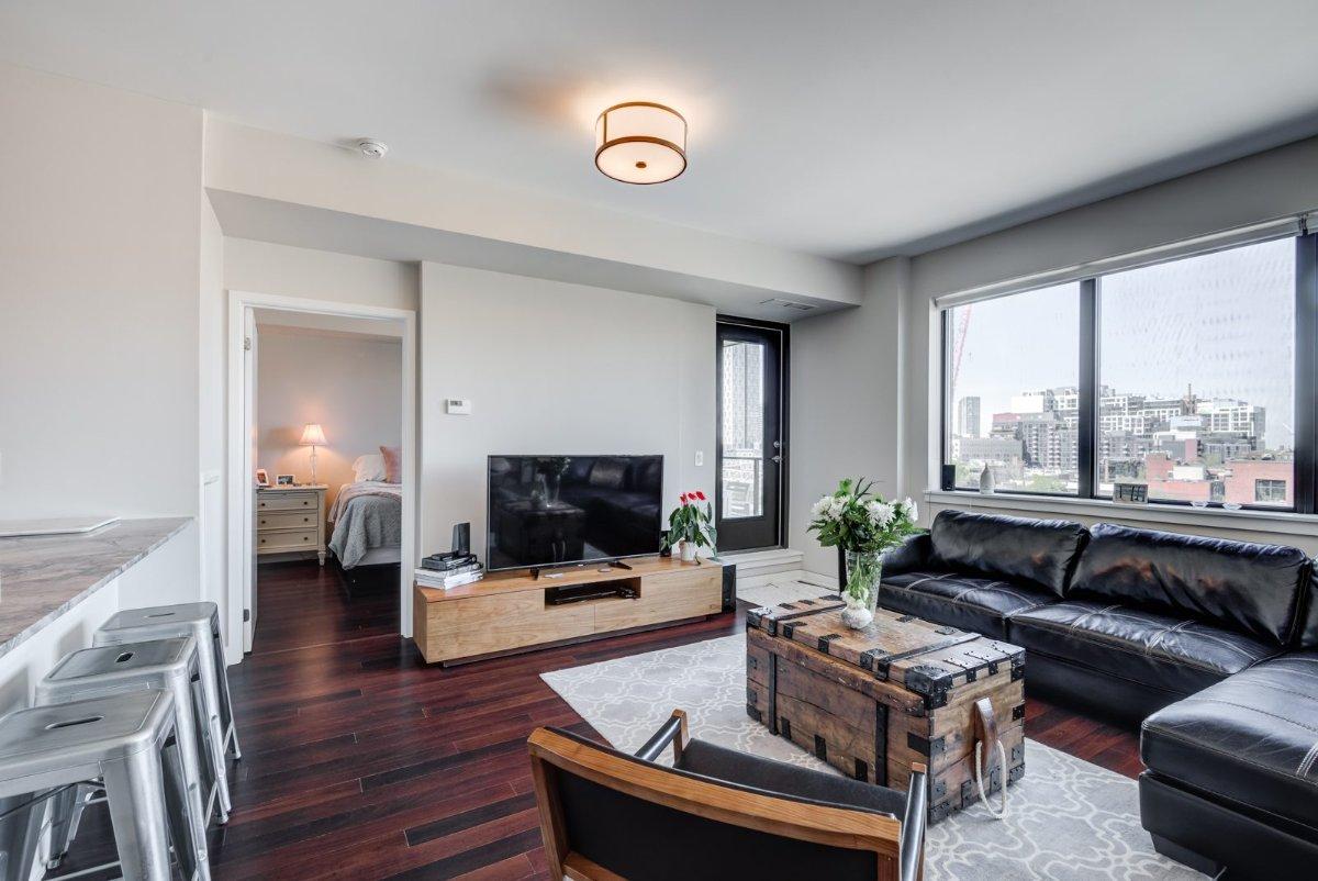 2 Bedroom 2 Bathroom Condo - Downtown Toronto